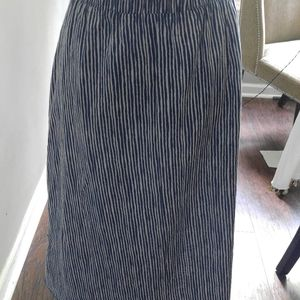Old Navy Skirts - Midi skirt